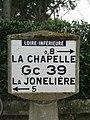 Borne Michelin - La Chapelle-sur-Erdre (close view).jpg