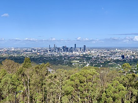 Brisbane from Mount Coot-tha Lookout in the Taylor Range Brisbane CBD seen from Mount Coot-tha Lookout, Brisbane, December 2019, 01.jpg