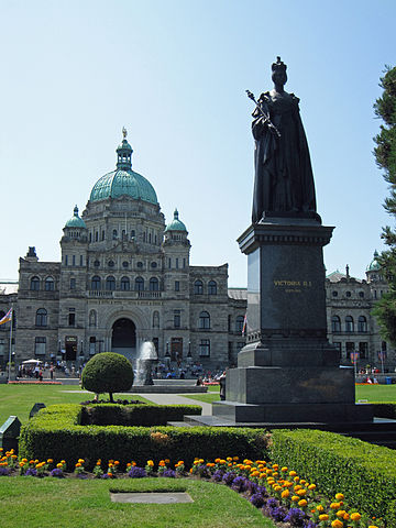 Statue of Queen Victoria outside the British Columbia Parliament Buildings, in Victoria