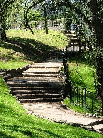 Lezama Park - Steps along the barranca