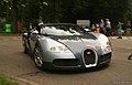 Bugatti Veyron (9861160114).jpg