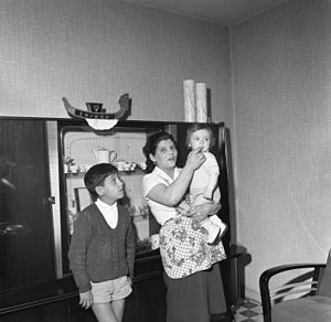Gastarbeiter - 1962: An Italian Gastarbeiter family in Walsum (this woman's husband is a miner working for the German Walsum Mines