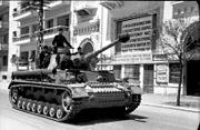 Bundesarchiv Bild 101I-175-1267-12, Griechenland, Panzer IV in Hafenstadt
