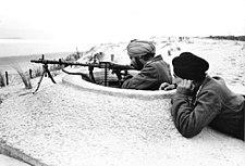 "Bundesarchiv Bild 101I-263-1580-05, Atlantikwall, Soldaten der Legion ""Freies Indien"""