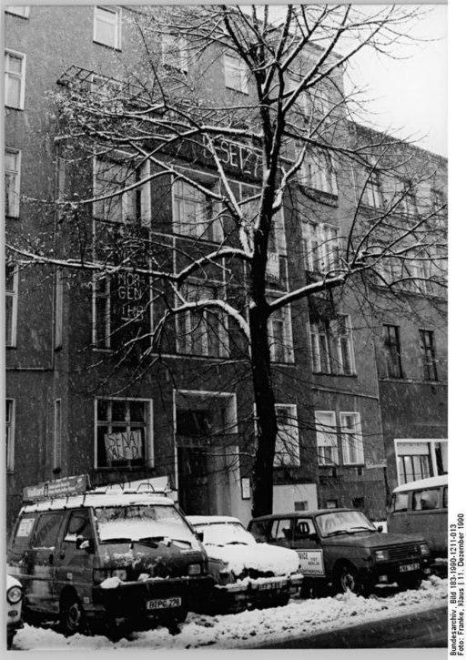 Bundesarchiv Bild 183-1990-1211-013, Berlin, Kollwitzstraße, Winter