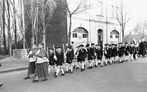 Bundesarchiv Bild 194-0552-29, Prozession der Kommunionkinder.jpg