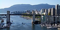 "De ""Burrard Street Bridge"""
