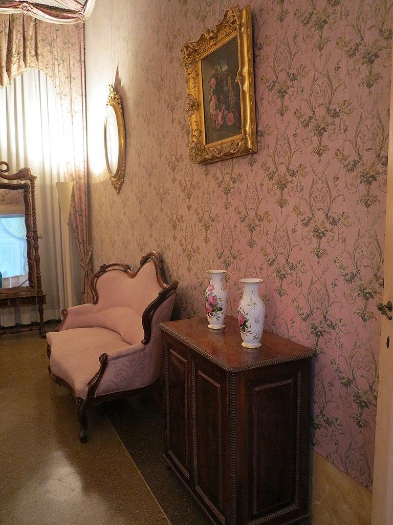 File camera da letto di rosa vercellana 5 jpg wikimedia for 2 piani di camera da letto