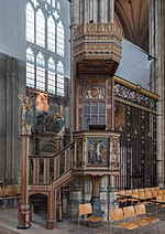 Canterbury Cathedral pulpit.jpg