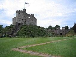 Cardiff Castle Keep (2005-08-11).jpg