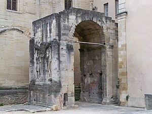 Arch of Carpentras - Roman arch of Carpentras