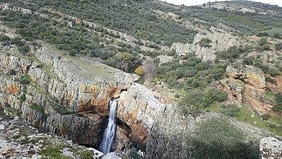 Cascada de cimbarra desde arriba.jpg