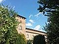 Castello Visconteo merli da parco.jpg