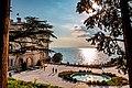 Castello di Miramare con vista laterale.jpg