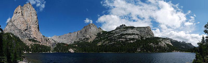 File:Cathedral Lake (8580465360).jpg