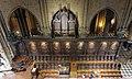Cathedrale Notre-Dame de Paris stalles orgue choeur.jpg