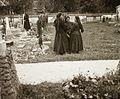Cemetery, folk costume, women, grave Fortepan 92445.jpg