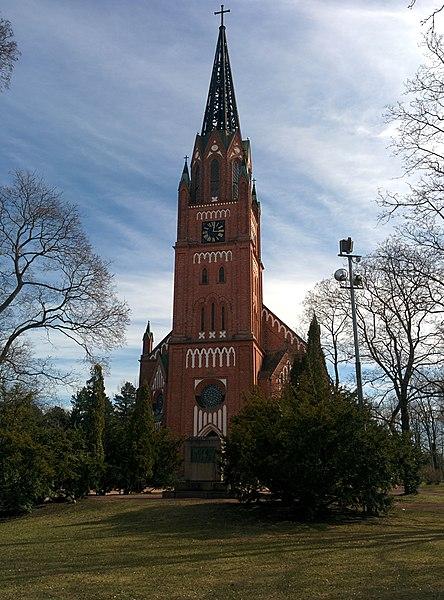 File:Central Pori church spring 2015.jpg