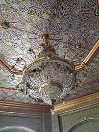 Chandelier in Nurullabay's palace.jpg