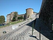 Bayonne wikivoyage le guide de voyage et de tourisme - Piscine de lauga bayonne ...