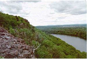 Metacomet Ridge - Image: Chauceypeak