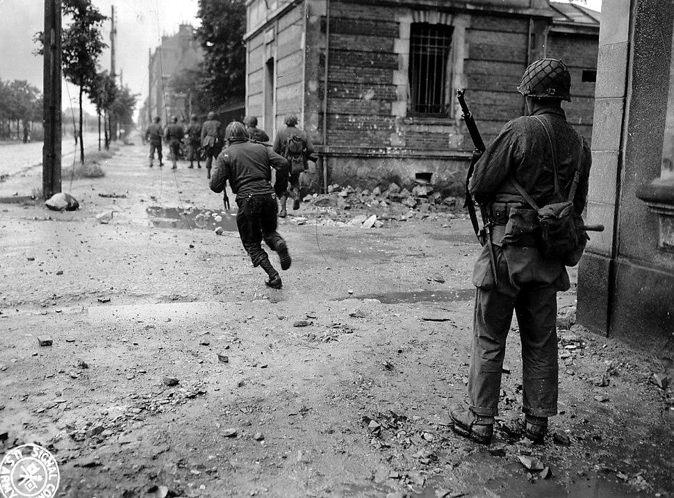 Cherbourg1944-Combat avParis