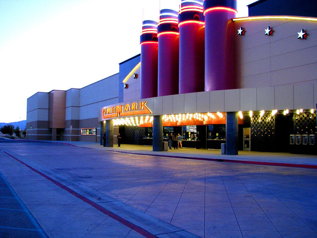 Cinemark cinema : Electric meat slicers