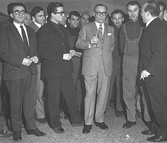 Cino Del Duca - Cino Del Duca, at center with glass