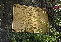 Ciudad Universitaria dedication plaque.jpg