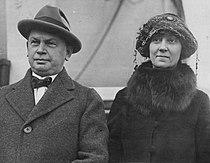 Clare Briggs 1922.JPG