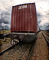 Contentor num vagão ferroviário na zona de Alcântara, Belém, Lisboa.jpg