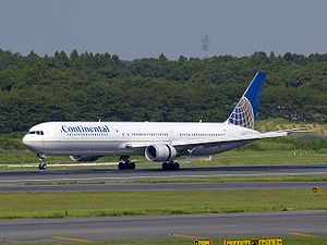 Continental Airlines B767-424ER N77066.jpg