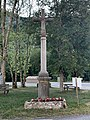 Croix de chemin à Rossillon (Ain).jpg