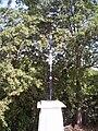 Croix sur le chemin de Vaures.jpg