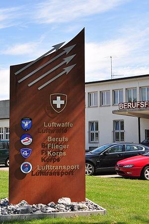 Dübendorf Air Base - Image: Dübendorf (Wangen Brüttisellen) Flugplatz Ehemaliges Aufnahmegebäude Zivilflugplatz, Dübendorfstrasse 2011 09 01 15 04 28