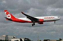 Sân bay quốc tế Miami-Hành khách-D-ABXB (6965193713) (3)