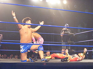 Daisuke Harada - Harada posing over Fire Ant in April 2010