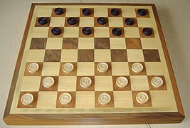 Играем в шашки онлайн