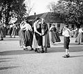Dance, folk costume, women Fortepan 2981.jpg