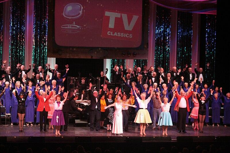 File:Dancers 210.jpg