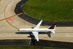 Delta N543US Boeing 757-200 (19485827948).jpg
