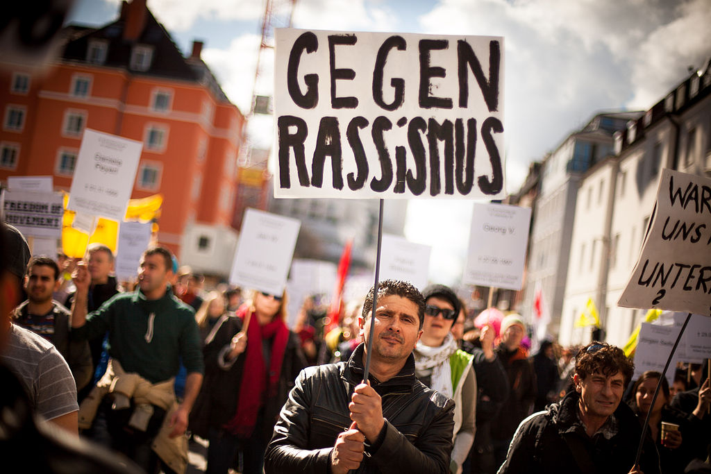 Demonstration zum NSU Prozess München-15 (8648243974).jpg