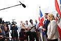 Der britische Außenminister Jeremy Hunt zum Gespräch bei Außenministerin Karin Kneissl (42885663645).jpg