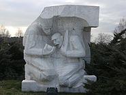 Devlet mezarlığı heykel 3