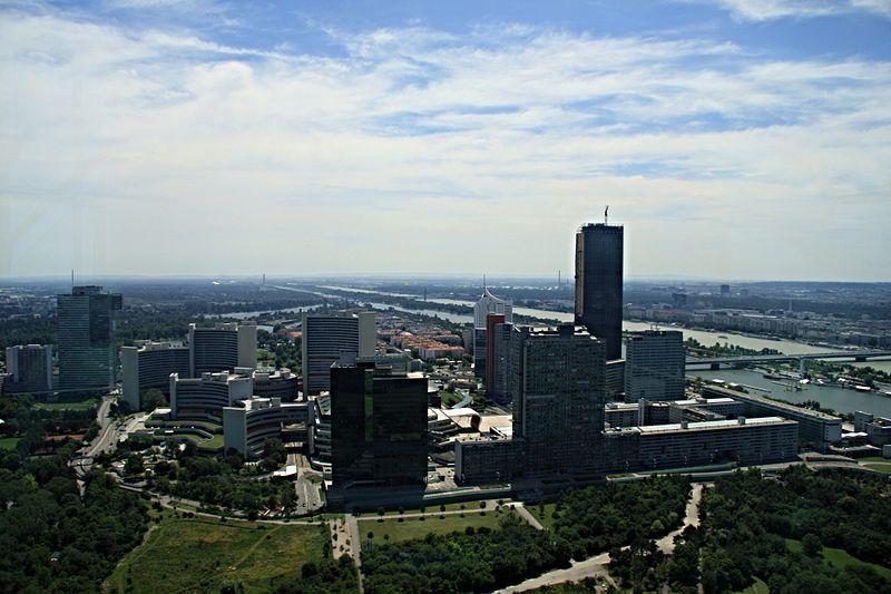 File:Donauturm SO.JPG