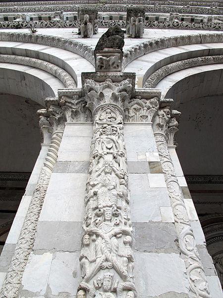 File duomo di lucca portico semicolonna con genealogia for Piani di stoccaggio con portico