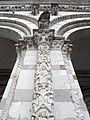 Duomo di lucca, portico, semicolonna con genealogia di maria 04.JPG
