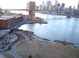 The Amazing Race 8 - The starting line of The Amazing Race: Family Edition was at Empire – Fulton Ferry State Park close to Brooklyn Bridge in New York City.