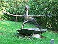 ER-Burgberggarten-sculture-with-open-arms.jpg