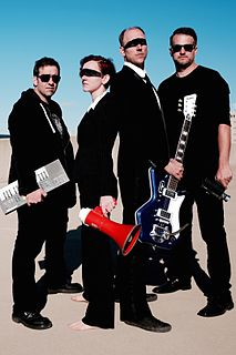 <i>Earwig</i> (band) indie rock band from Columbus, Ohio